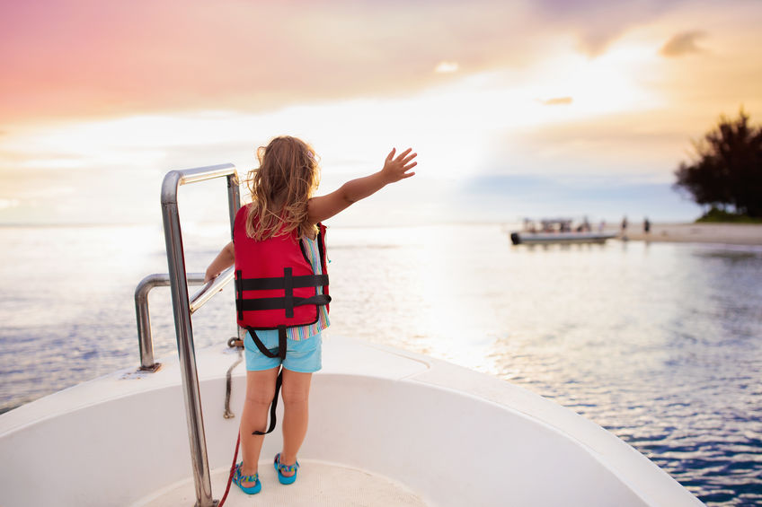Life Jacket Size Guide: How to Find the Right Size for Your Life Jacket